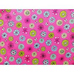 Tela de algodon rosa fucisa con flores