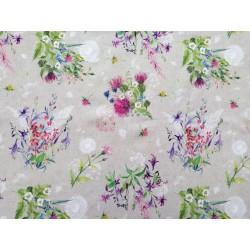 Tela de  algodón  estampado floral silvestre, fondo tono lino